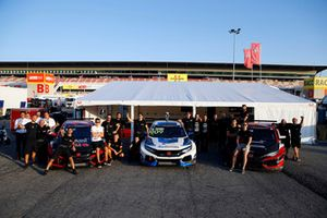 Attila Tassi, Hell Energy Racing with KCMG Honda Civic Type R TCR, Mike Halder, Hell Energy Racing with KCMG Honda Civic Type R TCR, Josh Files, Hell Energy Racing with KCMG Honda Civic Type R TCR