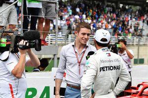 Lewis Hamilton, Mercedes AMG F1 talks with Paul di Resta, Sky TV in Parc Ferme