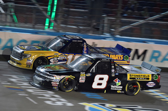 John Hunter Nemechek, NEMCO Motorsports, Chevrolet Silverado Hostetler Ranch / Stonefield Home and Derek Kraus, Bill McAnally Racing, Toyota Tundra NAPA Auto Parts