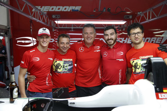 Champion Mick Schumacher, PREMA Theodore Racing Dallara F317 - Mercedes-Benz with the team