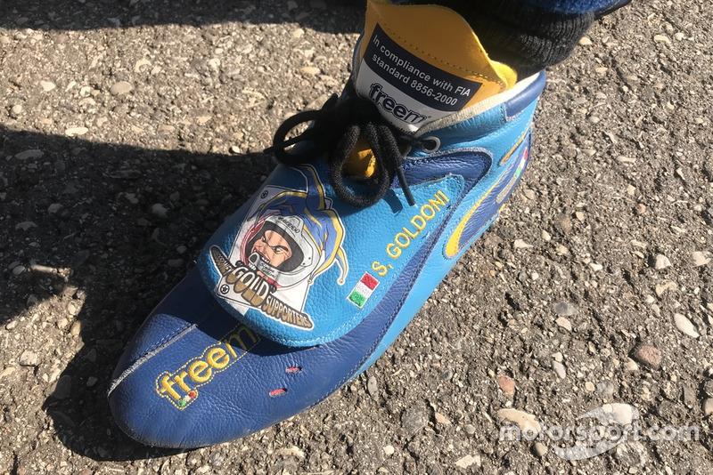 La scarpa personalizzata di Simone Goldoni