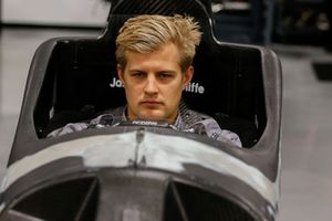 Marcus Ericsson seat-fitting at Schmidt Peterson Motorsports