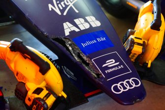 Damage to the nose of the car of Robin Frijns, Envision Virgin Racing, Audi e-tron FE05, after a crash in the it lane