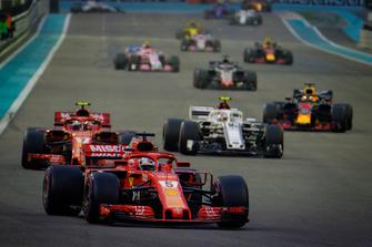 Sebastian Vettel, Ferrari SF71H, Kimi Raikkonen, Ferrari SF71H, Charles Leclerc, Sauber C37