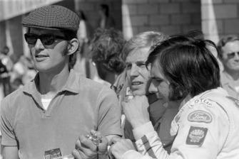 Руководитель команды Lotus Питер Варр, Рейне Виселль и Эмерсон Фиттипальди