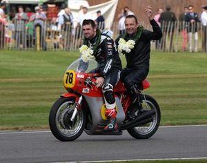 Barry Sheene Memorial Trophy Dunlop PLater MV