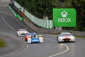 #8 Aston Martin DBR9: Roald Goethe, Stuart Hall, #44 Riley & Scott MK III: Jean-Marie Muller