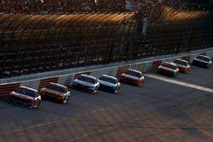 Renn-Action beim Southern 500 auf dem Darlington Raceway