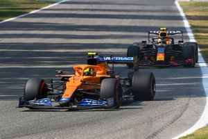 Lando Norris, McLaren MCL35M, Sergio Perez, Red Bull Racing RB16B