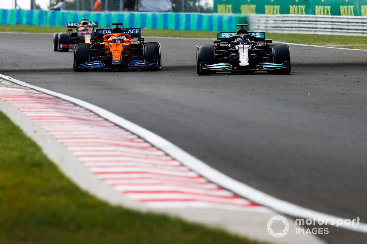 Lewis Hamilton, Mercedes W12, Daniel Ricciardo, McLaren MCL35M