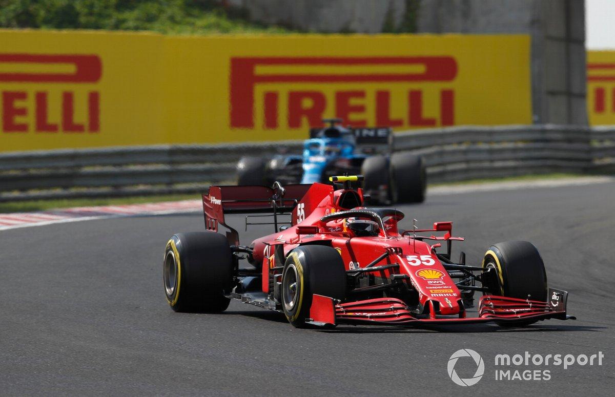 Carlos Sainz Jr, Ferrari SF21, Fernando Alonso, Alpine A521