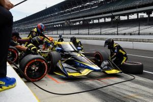 Colton Herta, Andretti Autosport w/ Curb-Agajanian Honda pit stop