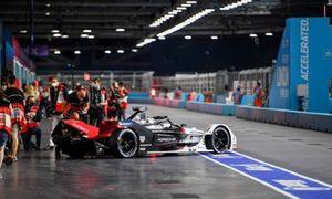 Andre Lotterer, Porsche, Porsche 99X Electric, leaves the garage