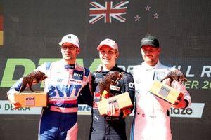 Podium: Race winnaar Liam Lawson, AF Corse, tweede plaats Maximilian Götz, Haupt Racing Team, derde plaats Philip Ellis, Mercedes AMG Team Winward