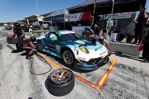 #88: Team Hardpoint EBM Porsche 911 GT3R, GTD: Katherine Legge, Rob Ferriol, pit stop