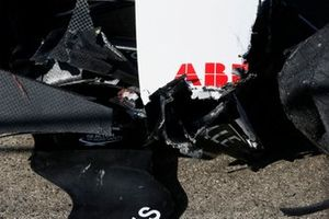 De beschadigde auto van Edoardo Mortara, Venturi Racing, Silver Arrow 02