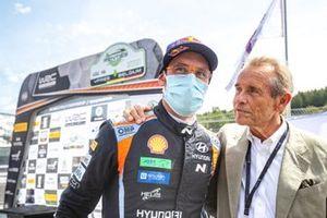 1. Thierry Neuville, Hyundai Motorsport, mit Jacky Ickx