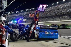 Ricky Stenhouse Jr., JTG Daugherty Racing, Chevrolet Camaro Funfetti
