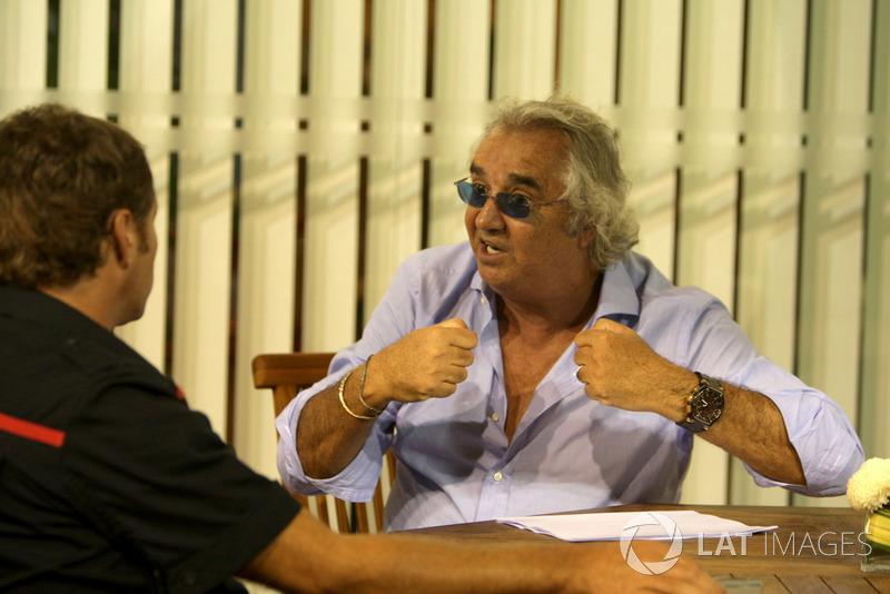 ... war Jean Todt noch Teamchef bei der Scuderia, Flavio Briatore bei Renault und Ron Dennis bei McLaren.