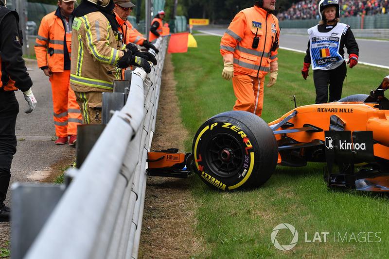 The crashed car of Stoffel Vandoorne, McLaren MCL33 in FP3