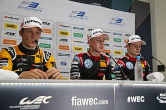Sacha Fenestraz, Carlin Dallara F317 - Volkswagen, Jüri Vips, Motopark Dallara F317 - Volkswagen, Jonathan Aberdein, Motopark Dallara F317 - Volkswagen