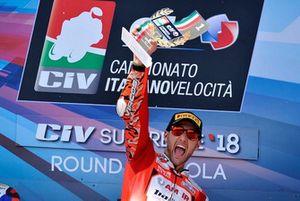 Podio Gara 2: il vincitore Matteo Ferrari, Barni Racing