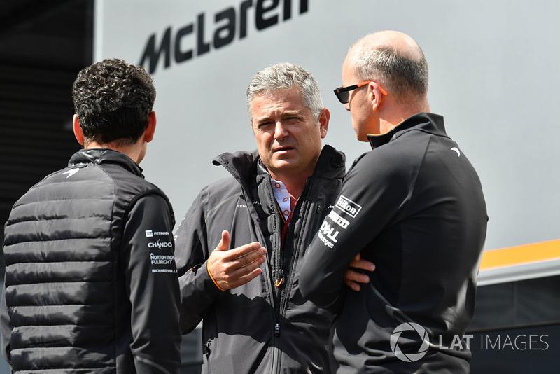 Gil De Ferran, McLaren y Simon Roberts, McLaren
