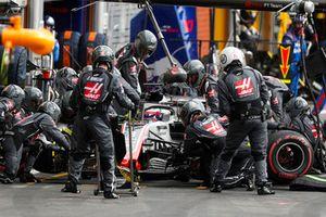 Romain Grosjean, Haas F1 Team VF-18, aux stands