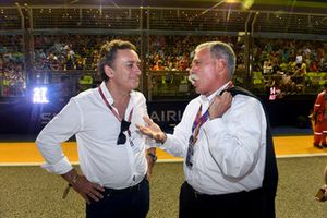 Alejandro Agag, CEO Formula E, con Chase Carey, Chief Executive Officer ed Executive Chairman del Formula One Group, in griglia di partenza