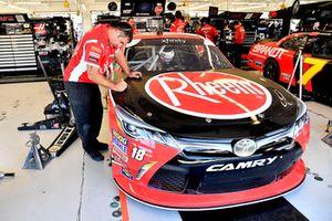 Ryan Preece, Joe Gibbs Racing, Toyota Camry Rheem crew