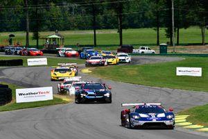 #67 Chip Ganassi Racing Ford GT, GTLM - Ryan Briscoe, Richard Westbrook, #24 BMW Team RLL BMW M8 GTLM - John Edwards, Jesse Krohn, start