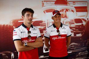Charles Leclerc, Alfa Romeo Sauber F1 Team et Marcus Ericsson, Alfa Romeo Sauber F1 Team