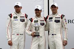 Третье место GTLM: Микаэль Кристенсен, Эрл Бамбер и Фредерик Маковецки, #912 Porsche Team North Amer