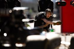 Nico Hulkenberg, Sahara Force India F1 VJM09 s'entraîne à rentrer aux stands