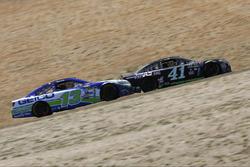 Kurt Busch, Stewart-Haas Racing Chevrolet, Casey Mears, Germain Racing Chevrolet