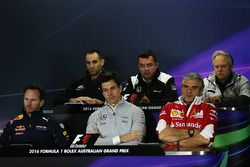 Press Conference (From back row (L to R)): Cyril Abiteboul, Renault Sport F1 Managing Director, Eric Boullier, McLaren Racing Director; Gene Haas, Haas Automotion President, Christian Horner, Red Bull Racing Team Principal, Toto Wolff, Mercedes AMG F1 Shareholder and Executive Director, Maurizio Arrivabene, Ferrari Team Principal.