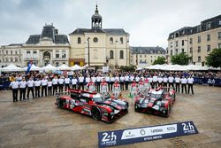 #7 Audi Sport Team Joest Audi R18: Marcel Fassler, Andre Lotterer, Benoit Tréluyer, #8 Audi Sport Te