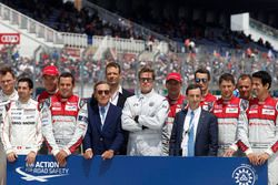 Groupshot, FIA Safety road action, with Brad Pitt and Pierre Fillon, ACO President