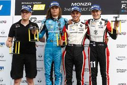 Race 2 podium: winnaar Dorian Boccolacci, Tech 1 Racing, tweede Max Defourny, R-ace GP, derde Sacha