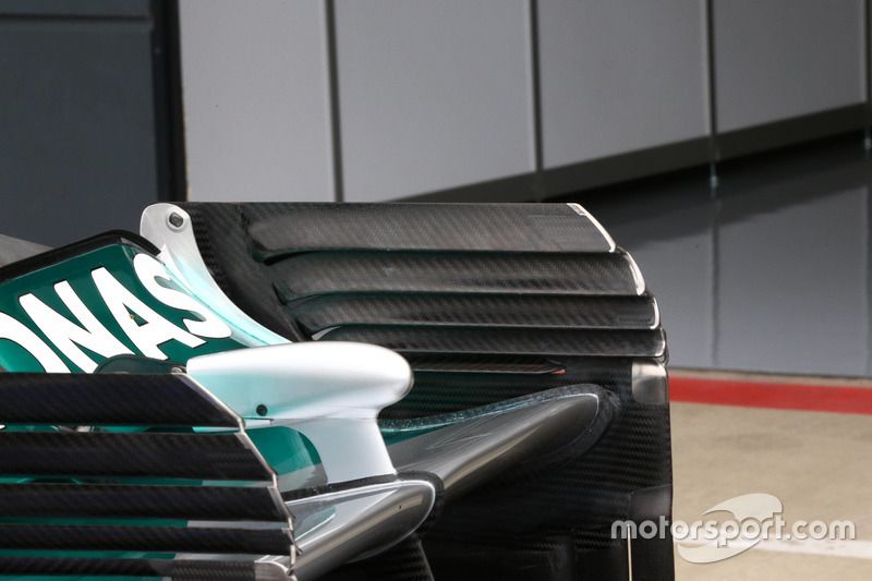 Mercedes, rear wing end plates detail