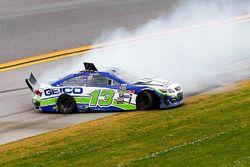 Crash von Casey Mears, Germain Racing Chevrolet