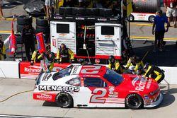 Paul Menard, Richard Childress Racing Chevrolet, pit action