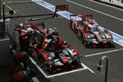 #7 Audi Sport Team Joest Audi R18: Marcel Fässler, Andre Lotterer, Benoit Tréluyer, #8 Audi Sport Te