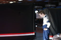 Brad Keselowski, Team Penske Ford with a blown engine