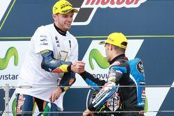Secondo posto Brad Binder, Red Bull KTM Ajo, il vincitore Jorge Navarro, Estrella Galicia 0,0
