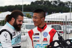 Stefano Comini, Leopard Racing, Volkswagen Golf GTI TCR and Kevin Tse Wing Kin, TeamWork Motorsport, Volkswagen Golf GTI TCR