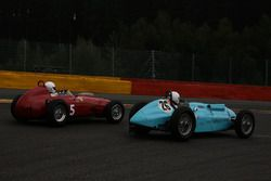 #5 Ferrari Dino (1960): Tony Smith; #26 Talbot Lago 2 (1948): Luc Brandts