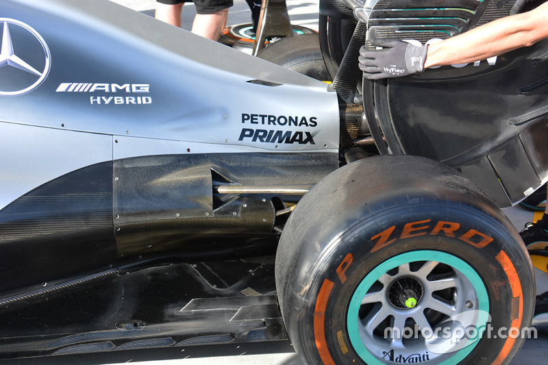 Mercedes AMG F1 W07: Heck