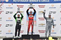 Podium : le vainqueur Sébastien Bourdais, KV Racing Technology Chevrolet, le deuxième, Conor Daly, Dale Coyne Racing Honda, le troisième, Juan Pablo Montoya, Team Penske Chevrolet