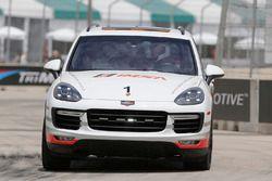 Un véhicule de sécurité Porsche